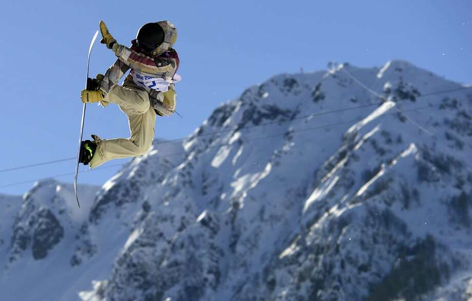 US Sage Kotsenburg competes in the Men's Snowboard Slopestyle Final at the Rosa Khutor Extreme Park during the Sochi Winter Olympics on February 8, 2014. Kotsenburg won the Gold Medal. Photo: JAVIER SORIANO, AFP/Getty Images / AFP
