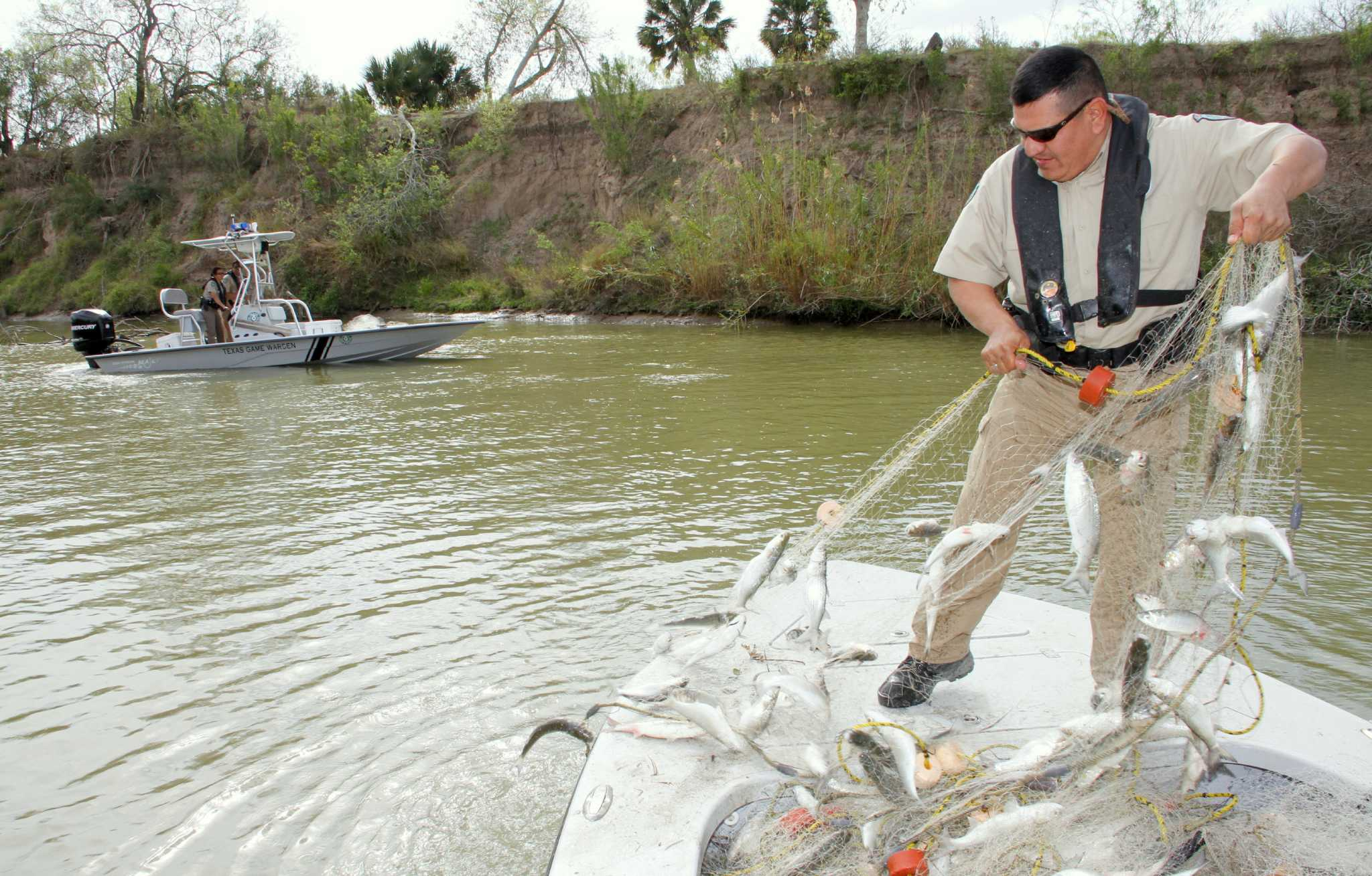 career of a game warden The federal government and state governments hire game wardens to enforce laws pertaining to animals, hunting, fishing and boating because game wardens work long hours outdoors, often in harsh conditions, they must be in top physical shape.