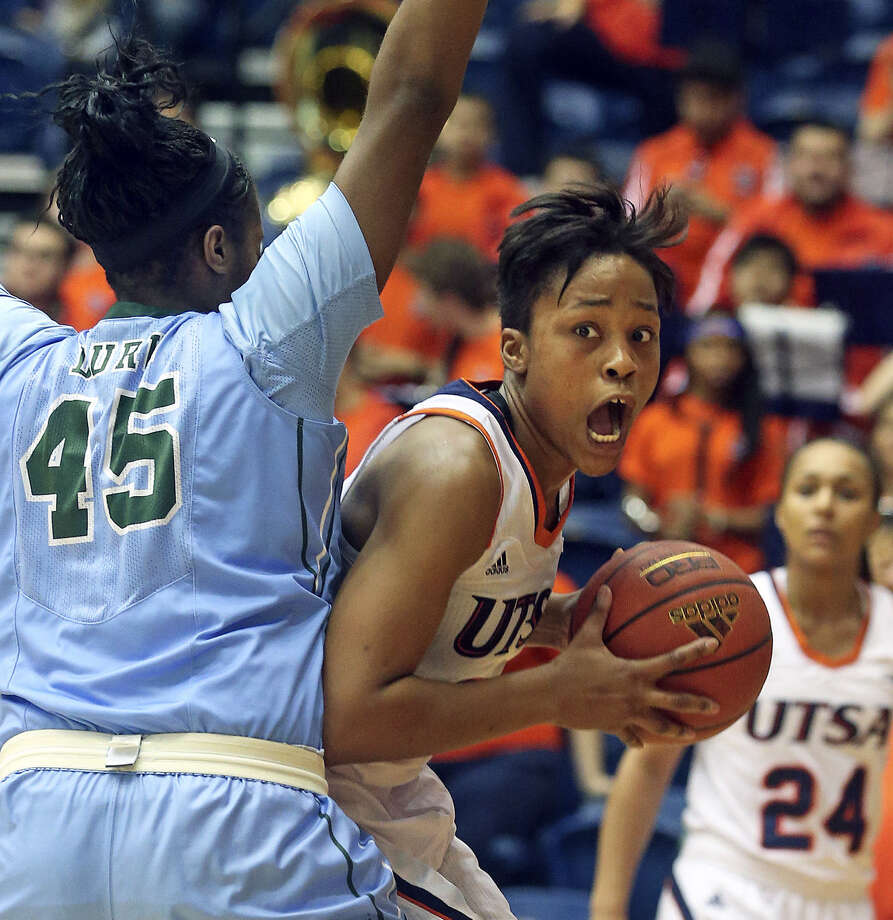 UTSA's Tesha Smith is emerging as a leader for the Roadrunners. Photo: Tom Reel / San Antonio Express-News