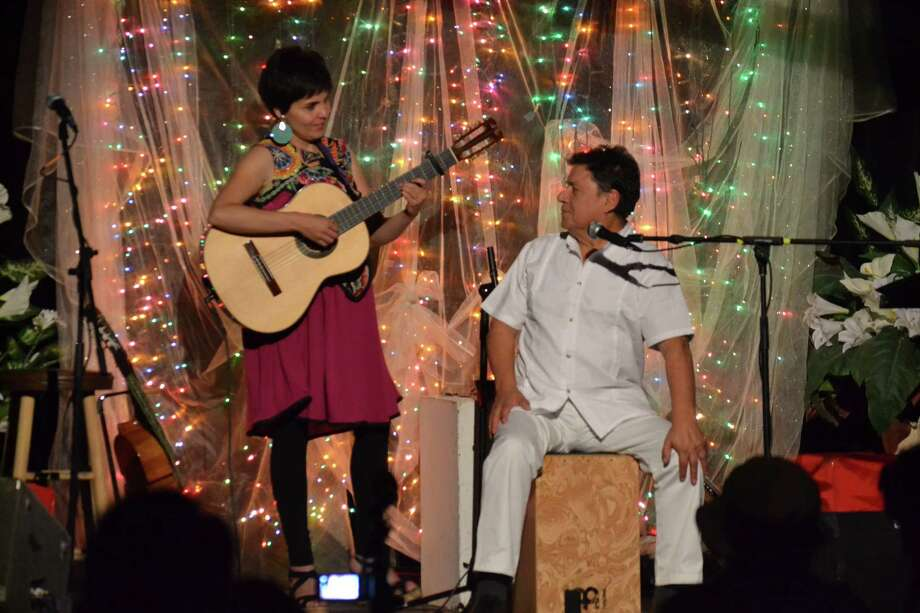 Saturday night's Chile Canta al Mundo performance with Elizabeth Morris & José Seves. Photo: Esperanza Peace & Justice Center, Courtesy