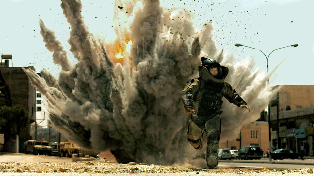 """In this film publicity image released by Summit Entertainment,Jeremy Renner is shown in a scene from, """"The Hurt Locker."""" A federal judge heard arguments on whether to dismiss the case filed by an Iraq war veteran who claims he was the basis for the Oscar-winning film """"The Hurt Locker."""" (AP Photo/Summit Entertainment)"""