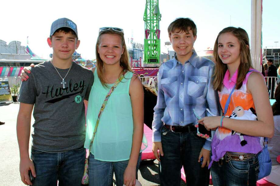 San Antonians enjoyed a Sunday of shopping, carnival and petting zoo at the rodeo.