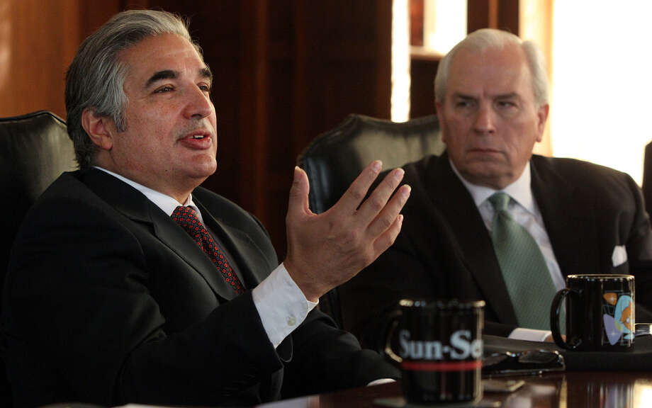 University of Texas System Chancellor Francisco Cigarroa, speaking in 2011 near Gene Powell, the board of regents chairman at the time, also served as president of UTHSC. Photo: JOHN DAVENPORT, SAN ANTONIO EXPRESS-NEWS / SAN ANTONIO EXPRESS-NEWS (PHOTO MAY BE SOLD TO THE PUBLIC)