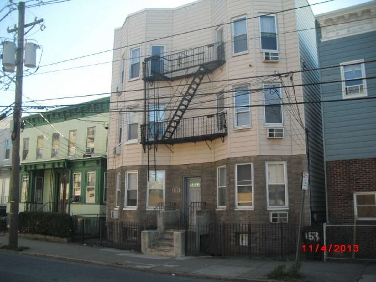 And here is a condo in Jersey City, listing at $109K. (Photos via RealtyTrac)