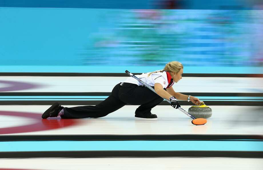 Anna Sloan of Great Britain in action during the round robin match against Sweden during day 3 of the Sochi 2014 Winter Olympics at Ice Cube Curling Center on February 10, 2014 in Sochi, Russia.  Photo: Clive Mason, Getty Images