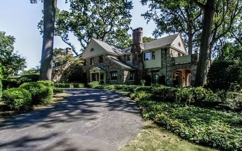 The house at 475 Algonquin Road is on the market for $1,495,000. Photo: Contributed Photo / Fairfield Citizen contributed