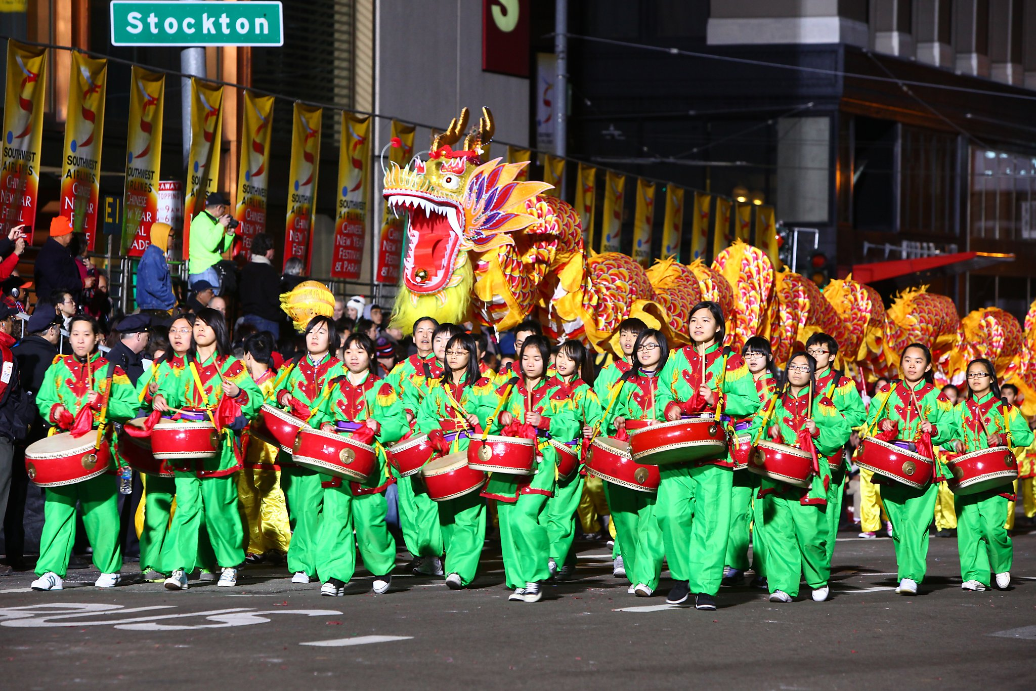 Chinese new year parade tips for parents of young kids for Chinese new years parade