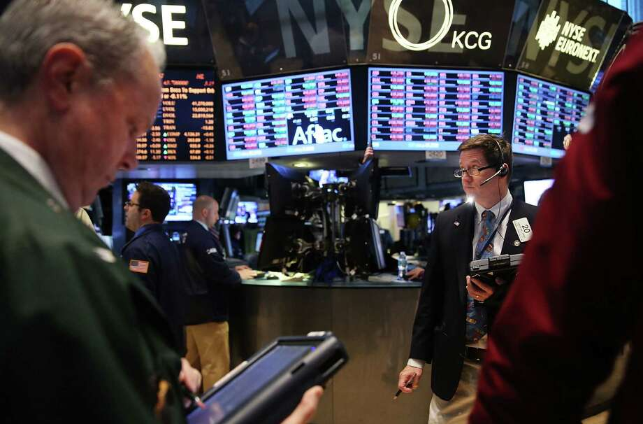 "A recent Senate report revealed the Securities and Exchange Commission ""routinely exposes extremely sensitive"" New York Stock Exchange computer network data. Photo: Spencer Platt / Getty Images / 2014 Getty Images"