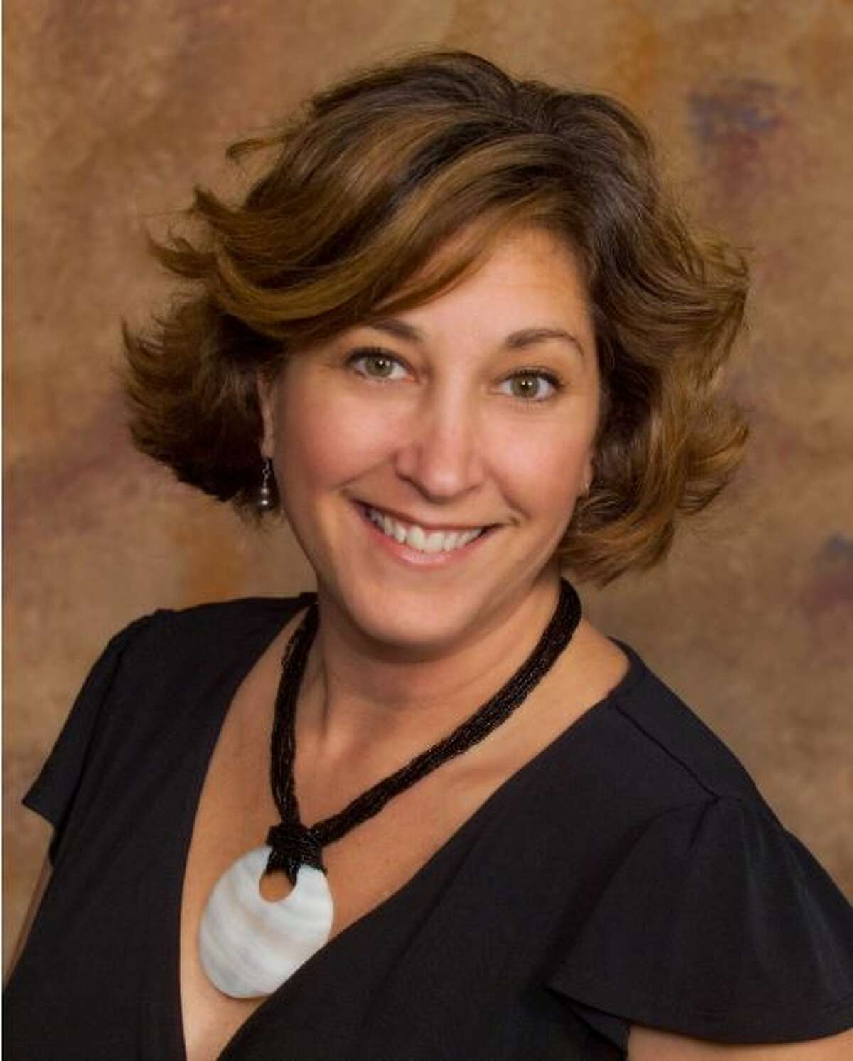 Clear Lake native Julie Harman Howell has been named director of member services and events at Lakewood Yacht Club.