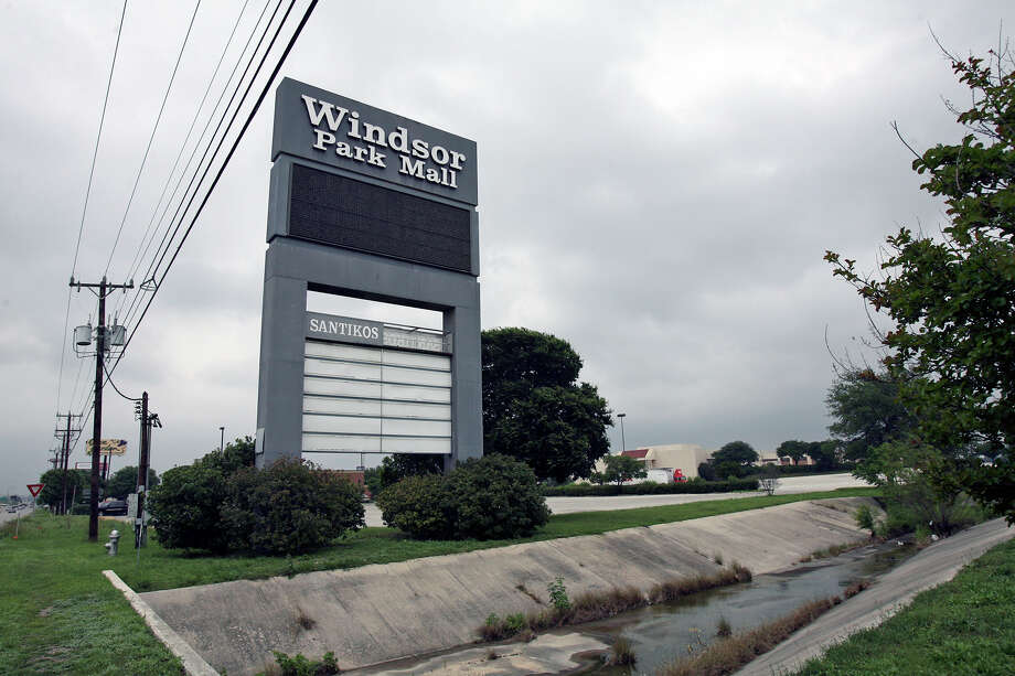 What was once Windsor Park Mall, seen here in 2007 ... Photo: TOM REEL, San Antonio Express-News / SAN ANTONIO EXPRESS-NEWS