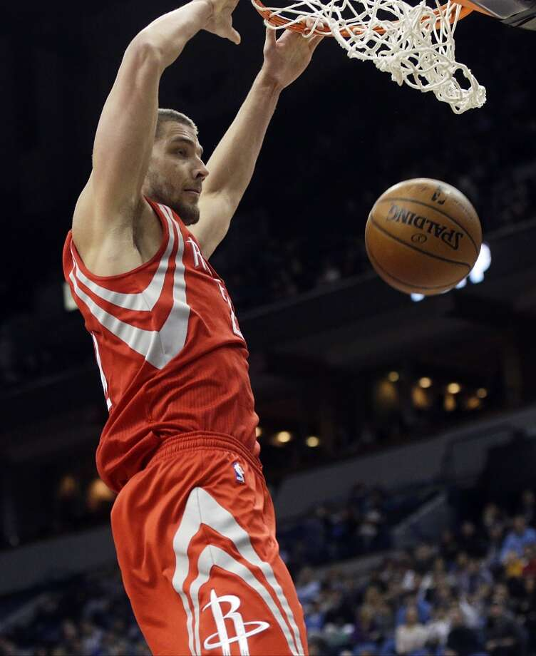 Rockets forward Chandler Parsons scores two easy points against the Timberwolves. Photo: Jim Mone, Associated Press