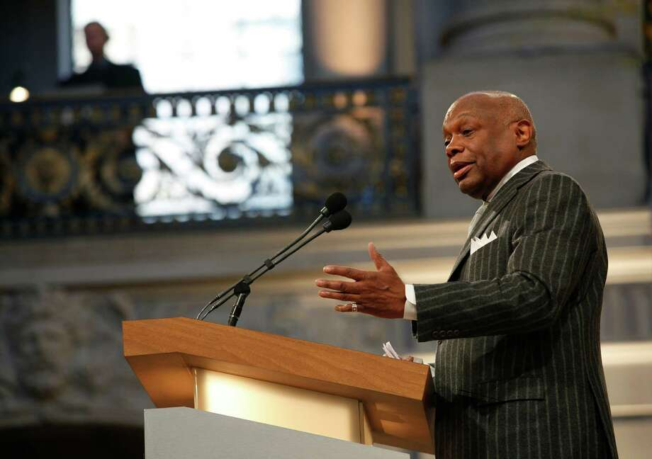 Chronicle columnist and former S.F. Mayor Willie Brown has suggested putting Bill Clinton in charge of fixing the crisis- ridden NFL. Photo: Liz Hafalia, Staff / Chronicle / ONLINE_YES