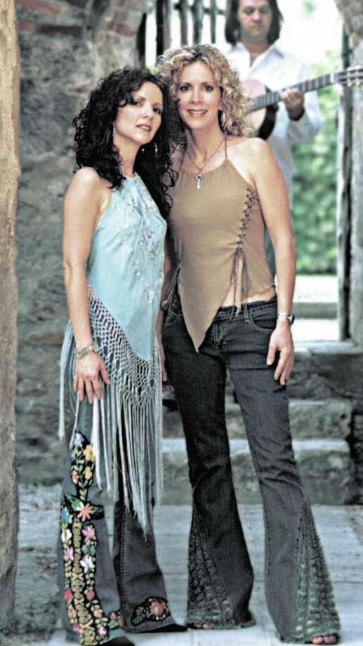 Sisters Morales — Lisa (left) and Roberta, with musical director David Spencer. Photo: Courtesy Sisters Morales / San Antonio Express-News
