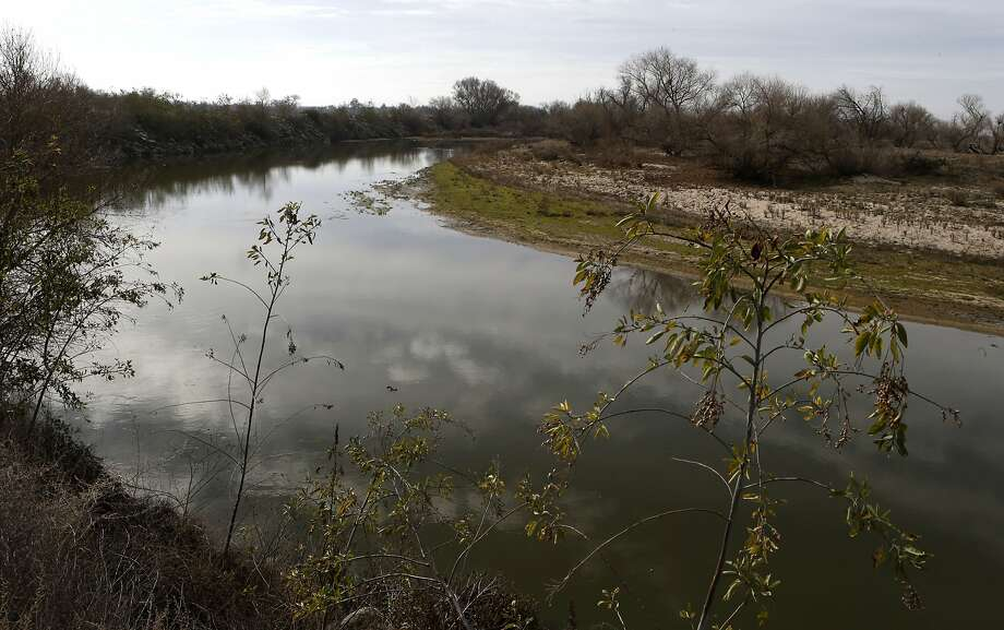 The drought-parched San Joaquin River bends through the Central Valley. Democratic Sens. Dianne Feinstein and Barbara Boxer propose legislation to speed water to Central Valley farmers. Photo: Michael Macor, The Chronicle