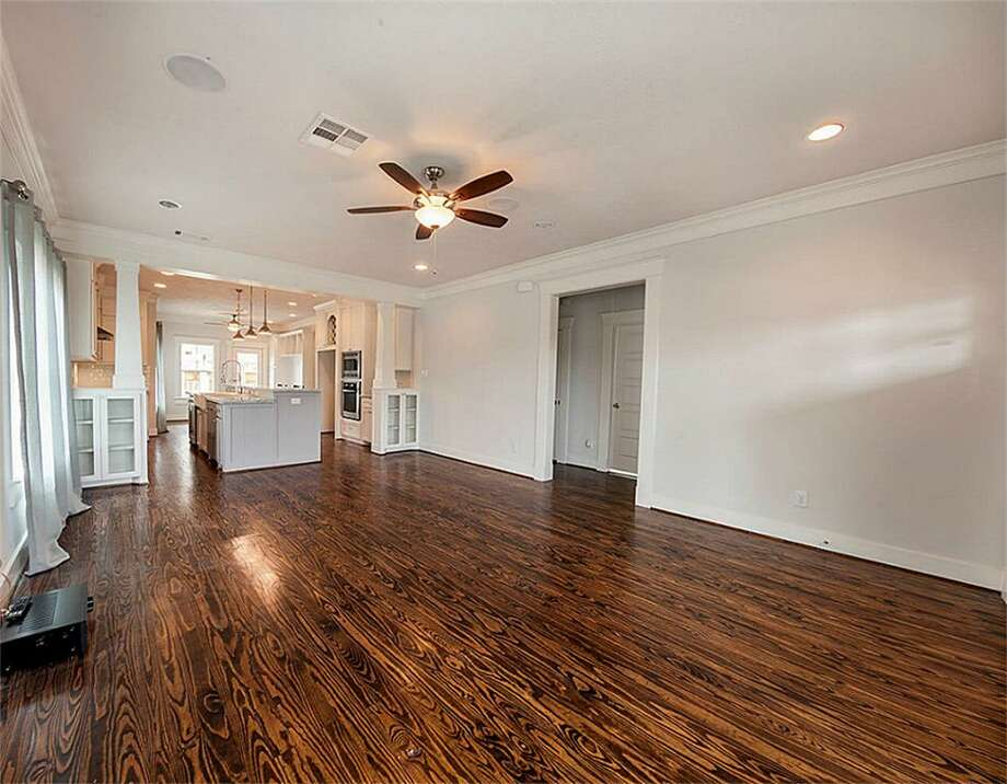 201 Archer: This 1920 home has 3 bedrooms, 2 bathrooms, 1,615 square feet, and is listed for $435,000. Photo: Houston Association Of Realtors