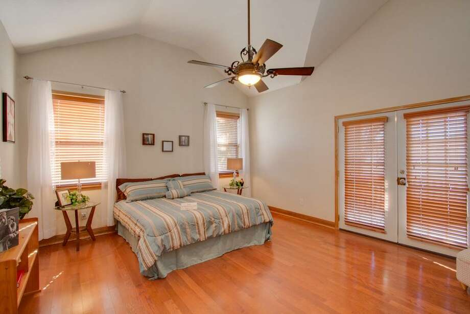 1103 Cordell: This 1920 home has 3 bedrooms, 2 bathrooms, 2,219 square feet, and is listed for $399,900. Photo: Houston Association Of Realtors