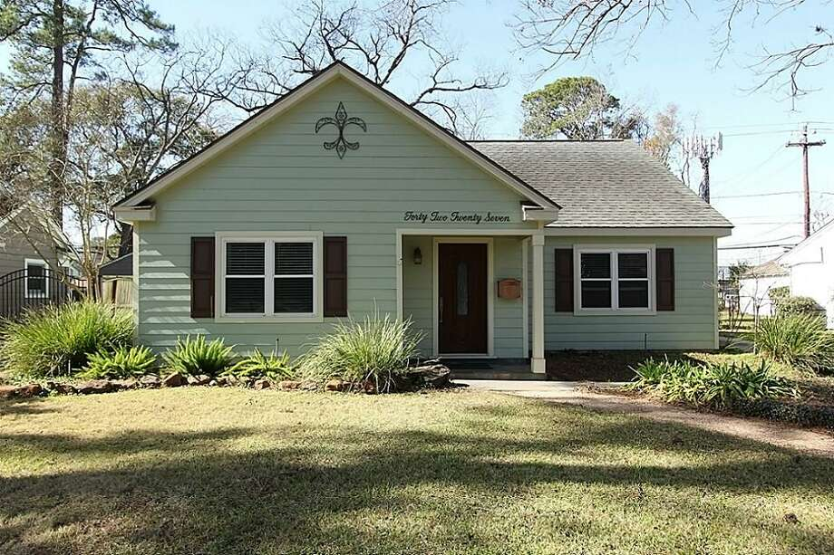 4227 Apollo: This 1950 home has 2 bedrooms, 2 bathrooms, 1,627 square feet, and is listed for $389,500. Photo: Houston Association Of Realtors