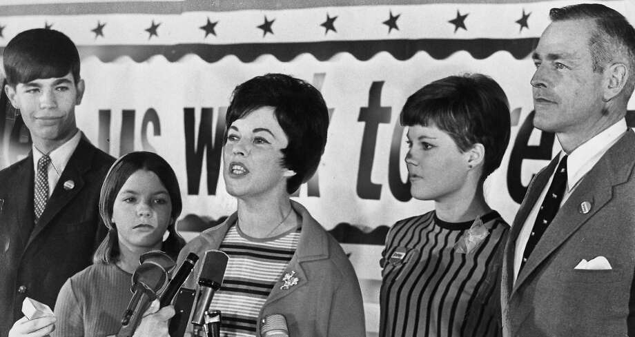 Shirley Temple Black (center) at a news conference after her defeat in a congressional election. Photo: Joe Rosenthal, The Chronicle