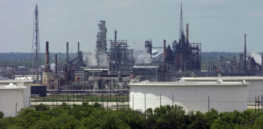 Bloomberg News attributed a rise in gasoline prices Tuesday to the fact that Valero Energy Corp.'s Port Arthur plant was running its largest crude unit at reduced rates, but Valero wouldn't comment. Photo: Beaumont Enterprise File Photo / Beaumont