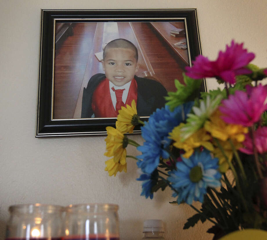 Josiah Williams, 5, was one of 10 children in Bexar County who died of abuse in the past fiscal year, which ended Aug. 31. In the previous year, 19 children died. Photo: Kin Man Hui / San Antonio Express-News / © 2012 San Antonio Express-News