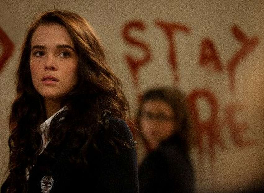 Vampire Academy: Blood SistersReview: Young stars sink teeth into 'Vampire Academy' roles