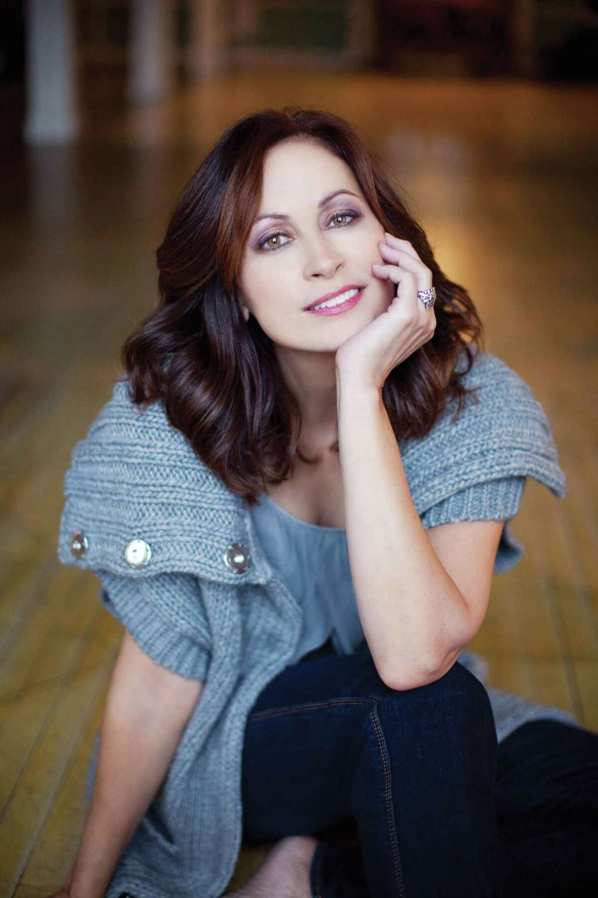 Bad weather has forced Linda Eder's performance to be postponed.