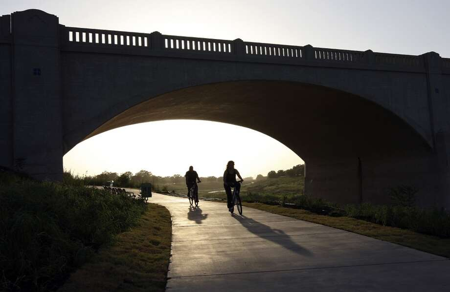 3. RIVER WALK / MISSION REACH: Definitely a day thing. Grab the bikes and ride up and down the San Antonio River. If you're really adventurous, go all the way down to Mission Espada. Photo: Edward A. Ornelas, Express-News
