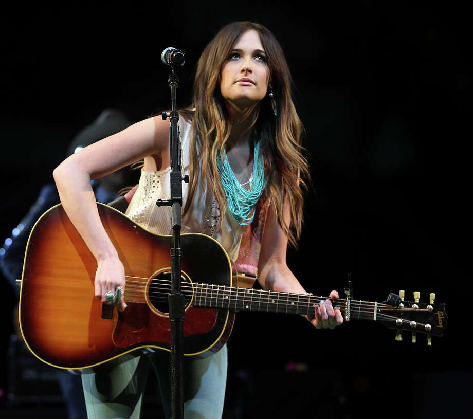Kacey Musgraves Shows Why She S A Star At Gruene Hall