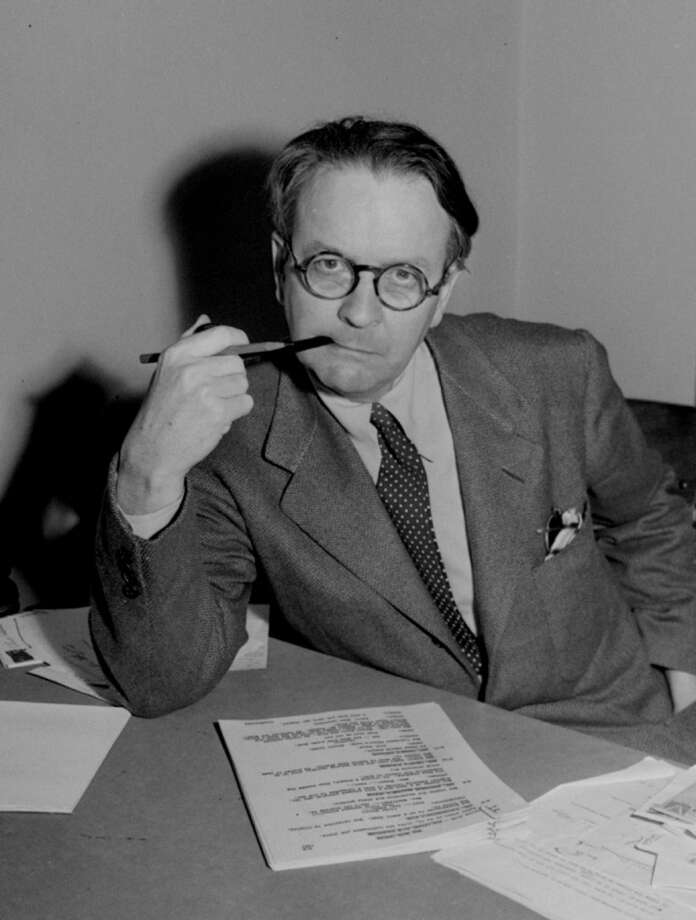 "Mystery novelist and screenwriter Raymond Chandler, shown in a 1946 portrait, created private eye Philip Marlowe in the novels  ""The Big Sleep,"" ""Farewell My Lovely,"" and ""The Long Goodbye.""  His screenplays included ""Double Indemnity,"" ""The Blue Dahlia,"" and  ""Strangers on a Train.""  (AP Photo) BY ASSOCIATE PRESS  ALSO RAN 12/6/03 Photo: SFC"