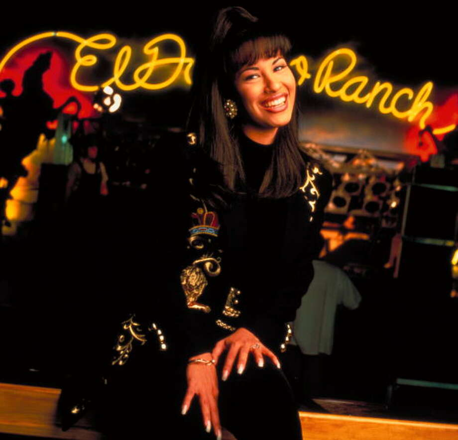 Singer Selena Quintanilla Perez inside nightclub (no caps).  (Photo by Pam Francis//Time Life Pictures/Getty Images) Photo: Pam Francis, Time & Life Pictures/Getty Image / Pam Francis