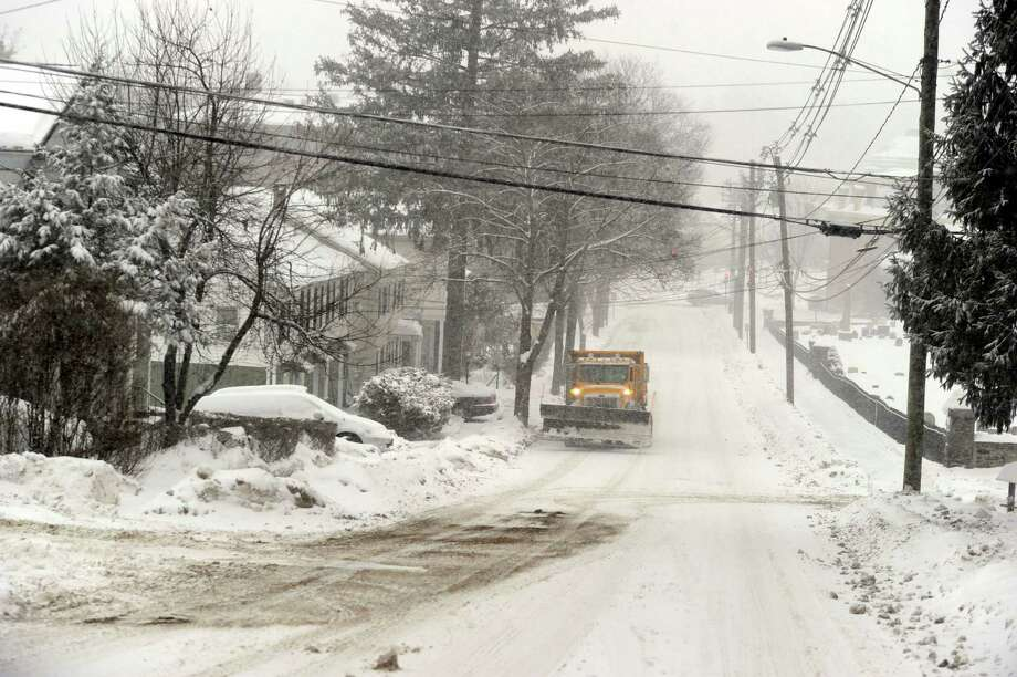 Wooster Street in Danbury, Conn., Thursday morning, Feb. 13, 2014, during the early stages of a snow storm. Photo: Carol Kaliff / The News-Times