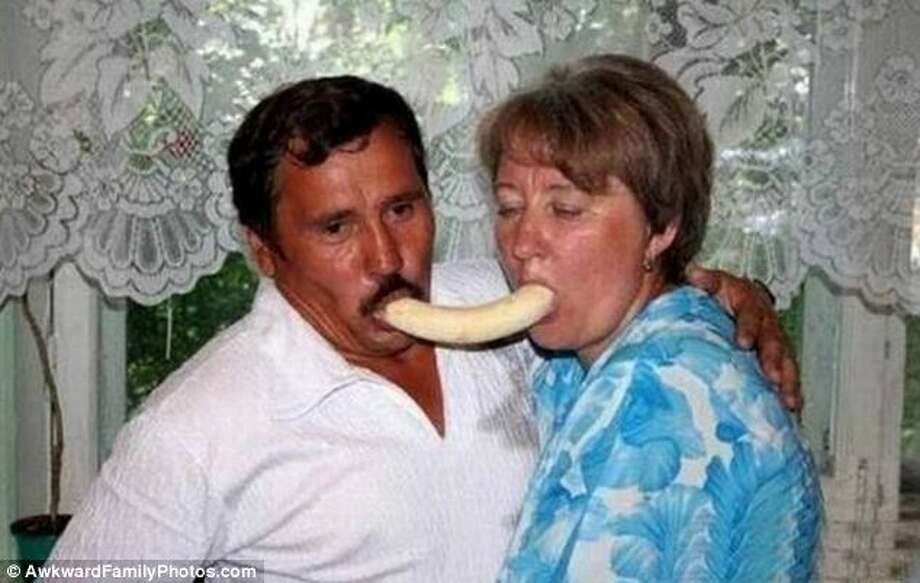 Whenever they get into a fight, they try to reconnect by eating a banana together. Photo: © AwkwardFamilyPhotos.com
