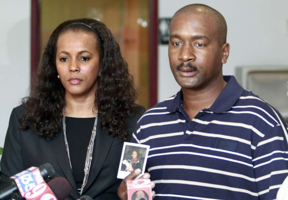 James Willie Jones, right, and his attorney Natalie Jackson talk to reporters at the Spirit of Truth Worship Ministries in Lake Mary, Fla.,Tuesday, Sept. 21, 2010.  James Willie Jones spoke about the events that transpired on a public school bus involving his disabled daughter on Sept. 3, 2010. (Photo/Reinhold Matay) Photo: AP
