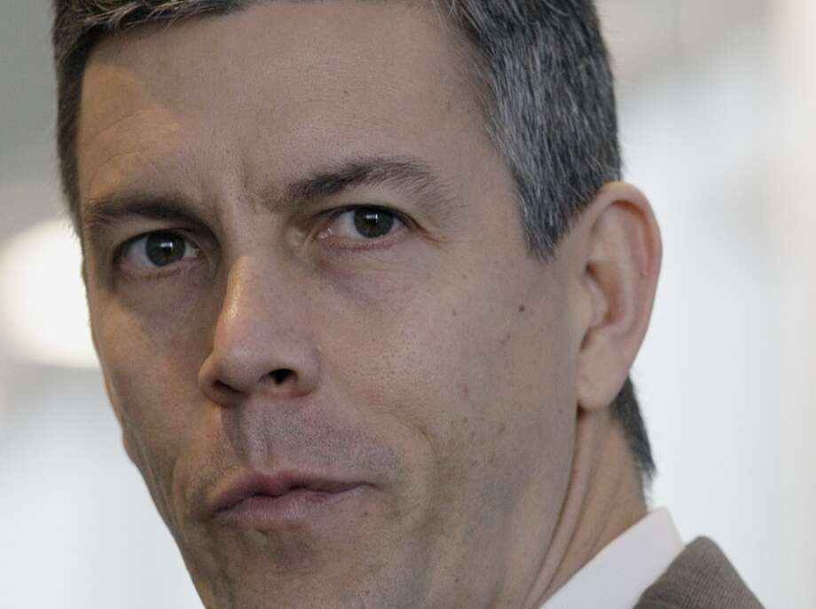 Chicago Public Schools chief Arne Duncan is seen during a news conference in Chicago, Nov. 13, 2008. On Wednesday, Nov. 19, 2008, the Chicago Board of Education will vote on an anti-bullying high school. If approved by the country's third-largest school district, the Social Justice Solidarity High School would join several smaller U.S. campuses aimed at serving students who have been tormented for everything from their religious beliefs to their weight. Originally conceived as a gay-friendly school, the focus was broadened to create a school to serve any students who've fallen victim to bullying and harassment. (AP Photo/Charles Rex Arbogast) Photo: AP