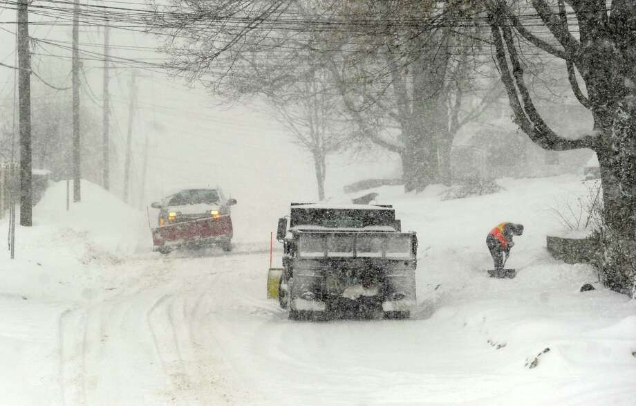 Cleveland Street, Danbury, Conn. during Thursday snow storm, Feb. 13, 2014. Photo: Carol Kaliff / The News-Times