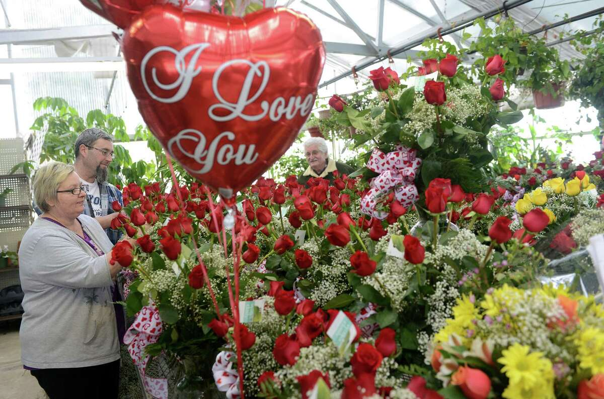 Friday is Valentine's Day, which means treating your loved one to roses, chocolates...and tetris? Find out the best ways you can celebrate Valentine's Day in Connecticut.