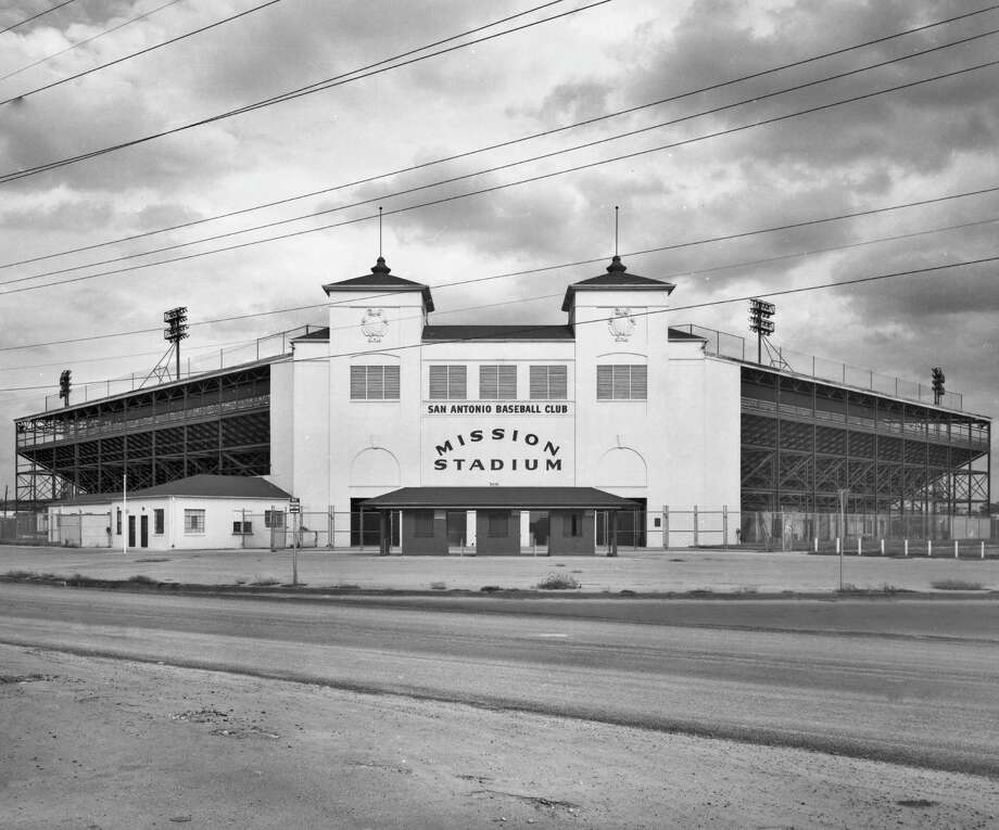 Mission Stadium, near Mission Concepción, opened in 1947 and was owned by the St. Louis Browns, also owners of the Missions ball club. Photo: UTSA Libraries Special Collection / UTSA Libraries Special Collectio