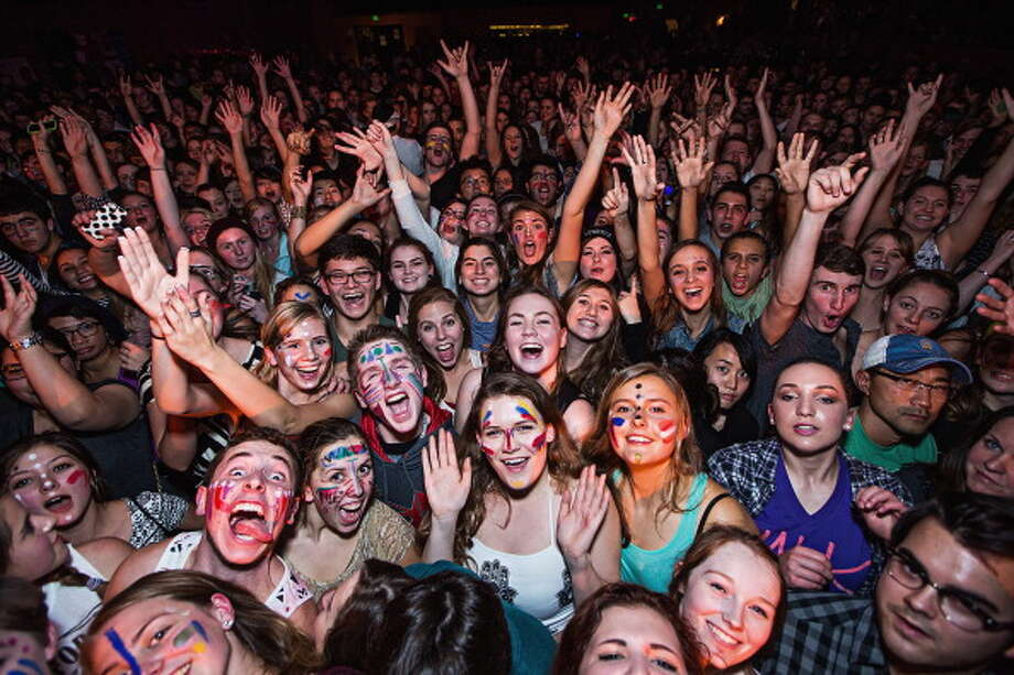 Act as if standing sardine-like in some bar bobbing your head but unable otherwise to moveis the best music experience ever. Photo: Mat Hayward, Getty Images / 2013 Mat Hayward