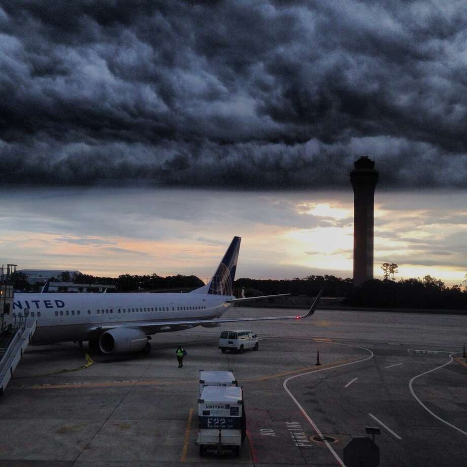 Houston weather. Don't like it? Just wait, it will change. Cold front arrival at IAH 2013. Brian Rice