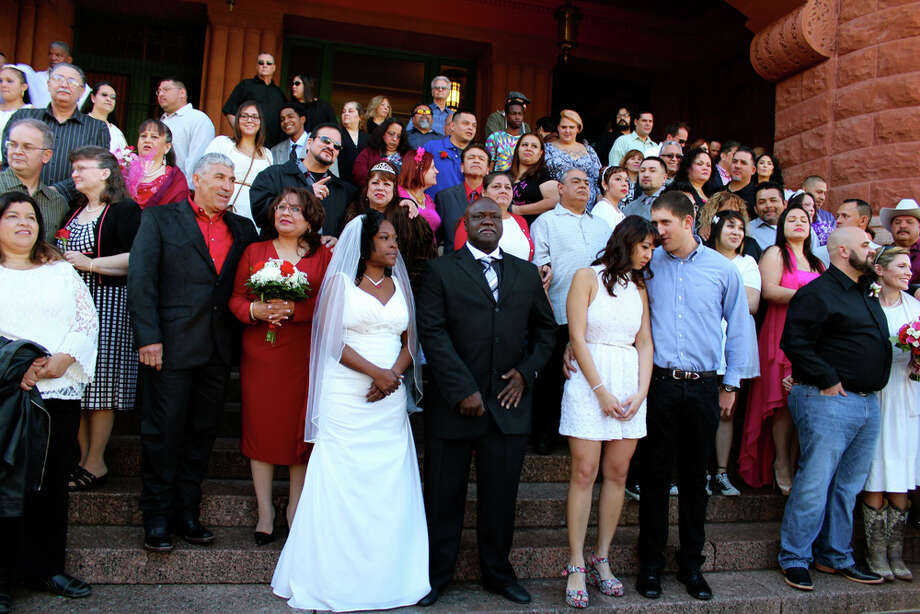 Couples got married at the Bexar County Courthouse on Valentine's Day, Feb. 14, 2014. Photo: Yvonne Zamora/For MySA.com