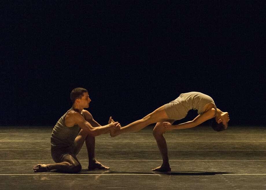 "Ballet San Jose members Lahna Vanderbush and Kendall Teague perform in Ohad Naharin's ""Minus 16."" Photo: Alejandro Gomez, San Jose Ballet"