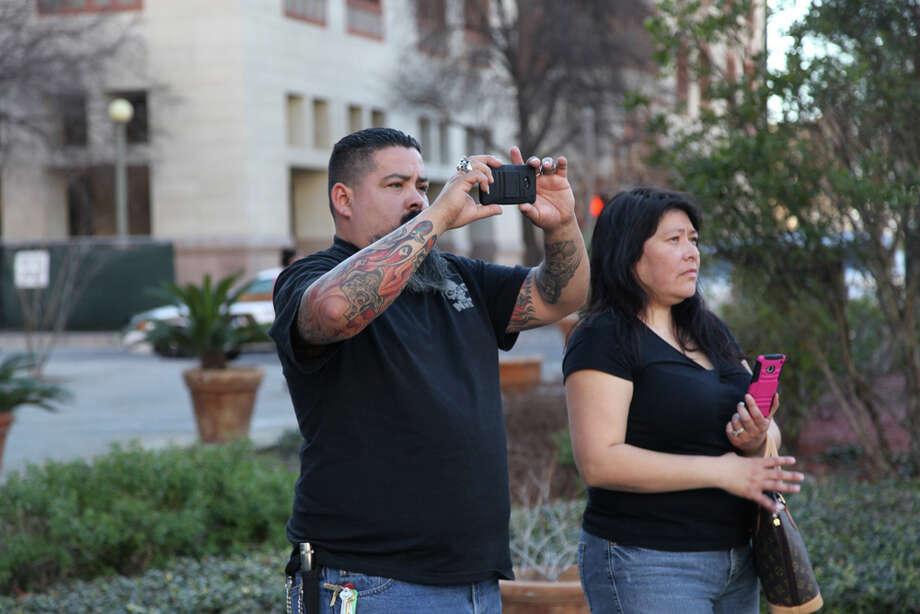 Couples got married at the Bexar County Courthouse on Valentine's Day, Feb. 14, 2014. Photo: Xelina Flores-Chasnoff/For MySA.com