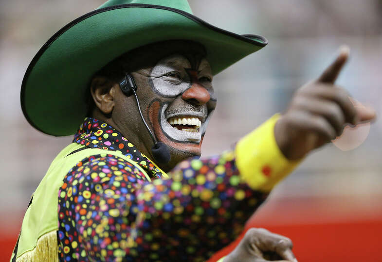 Barrelman Leon Coffee, of Wimberly, TX, works the crowd during the San Antonio Stock Show & Rodeo Fr
