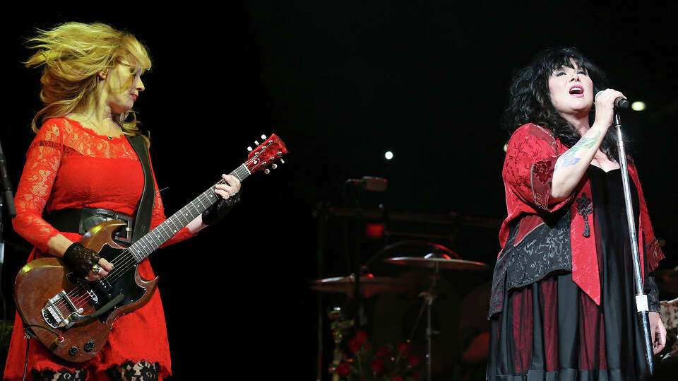 Nancy (left) and Ann Wilson of Heart perform during the San Antonio Stock Show & Rodeo Friday Feb. 1