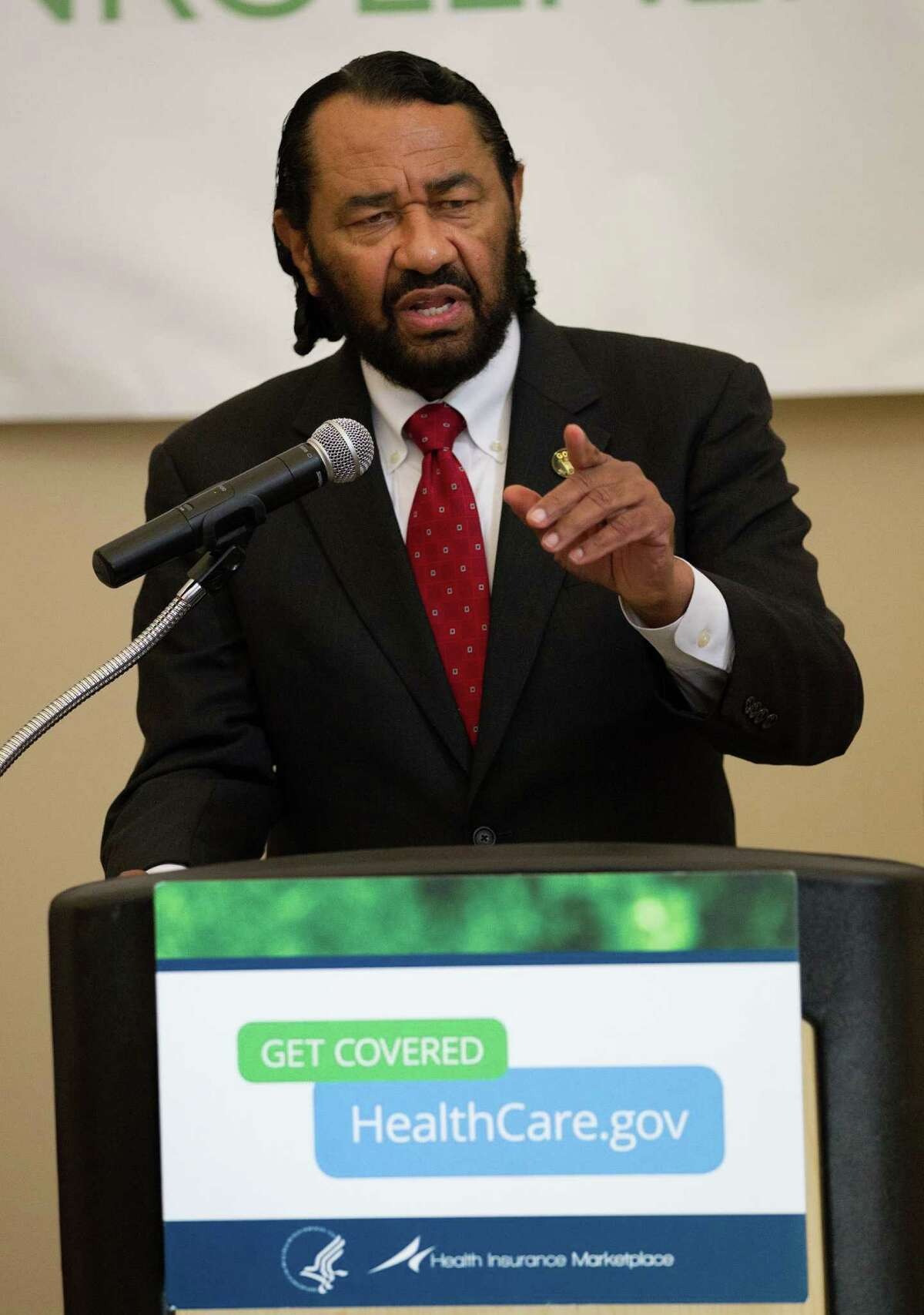 Rep. Al Green, D-Houston, began lobbying for rail along U.S. 90A in his district before work on the newest three light rail lines began. (Bob Levey/For The Chronicle)