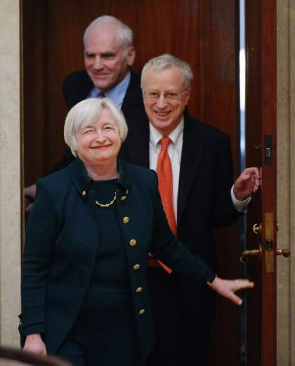 yellen s husband resigns from ubs supported group houstonchronicle com yellen s husband resigns from ubs
