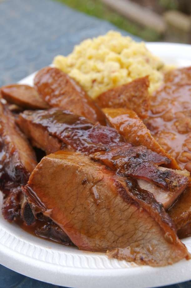 Burns BBQ, 7117 N. Shepherd.  (Photo by Bill Olive) Photo: Bill Olive, For The Chronicle