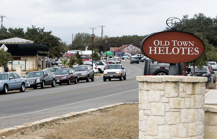 Helotes reached several milestones last year, including the building of a Walmart and completion of additions to Old Town Helotes. Photo: Marvin Pfeiffer / San Antonio Express-News / EN Communities 2014