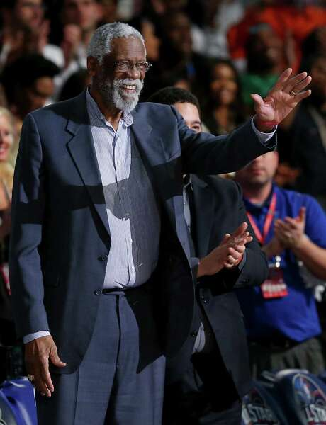 Hall of Famer Bill Russell, acknowledging the fans during Sunday's game, turned 80 last week. Photo: Ronald Martinez / Getty Images / 2014 Getty Images
