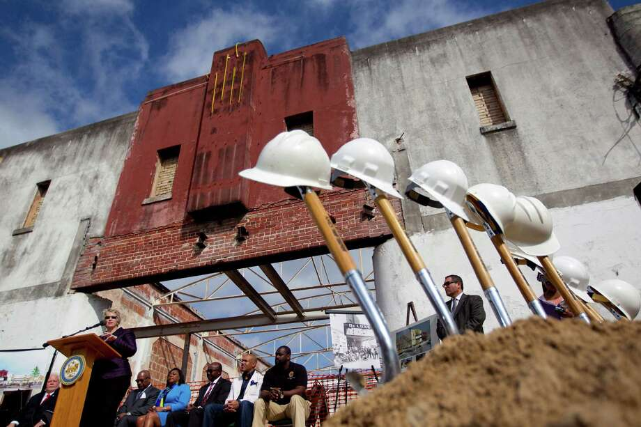 Job sector: ConstructionNo. of applications: 23Biggest country: MexicoTop company: Fifth Ward Community Redevelopment Corporation (2)Top job titles: Architectural and engineering managers (3) Photo: Johnny Hanson, Houston Chronicle / © 2014  Houston Chronicle